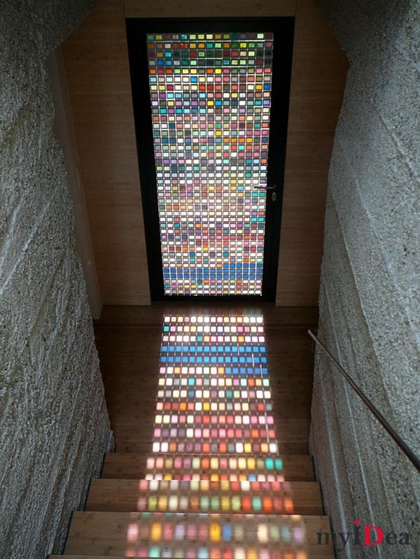 Дом мечты: Дверь из образцов стекла разного цвета