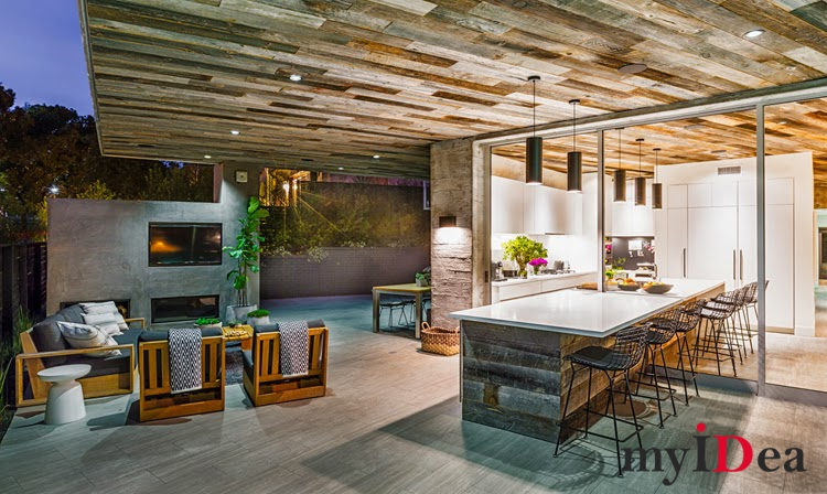 17-outoor-living-featuring-a-reclaimed-wood-ceiling